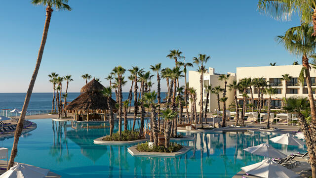 Paradisus by Meliá in Mexico: beaches, turtles, golf and conferences in Los Cabos